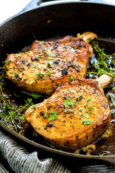 Cast Iron Skillet Pork Chops are a quick and delicious way to serve a satisfying gourmet meal. The meat is coated with a garlic herb mixture before cooking and a hot pan creates a gorgeous sear. Pork Chops Cast Iron, Skillet Pork Chops, Seared Pork Chops, Cooking Pork Chops, Juicy Pork Chops, Pan Cooked Pork Chops, Healthy Pork Chops, Gourmet Recipes, Cooking Recipes