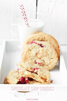 white chocolate chip cookies with cocOnut flakes & raspberries