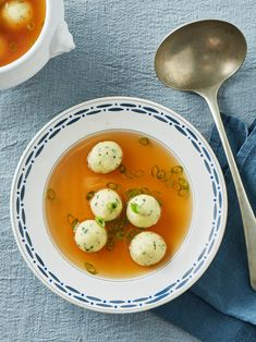 Semolina dumplings with parsley - Semolina dumplings with parsley Semolina dumplings with parsley Semolina dumplings with parsley Wel - Cooking Dishes, Albondigas, Exotic Food, Salad Dressing Recipes, Homemade Soup, Healthy Soup Recipes, Vegetable Dishes, Casserole Dishes, Stuffed Peppers
