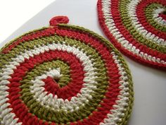crochet - I need to take up crocheting again. Love this look.