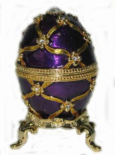 At the Vatican opened the exhibition of products Faberge bought seven years ago, Russian businessman Viktor Vekselberg. The exhibition of about 150 items, including unique Easter eggs, which the Emperor Alexander III and Nicholas II gave to their wives
