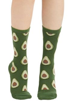 7fb3f28d1 ModCloth Quirky Good to Avocado Socks Meias Estranhas