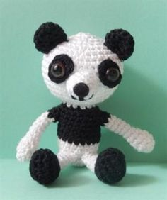 This little panda crochet amigurumi is adorable. Panda Fu Hu - Media - Crochet Me
