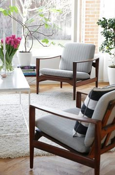 Mid Century Furniture for Modern Apartment - The Urban Interior Living Room Inspiration, Furniture Design, Accent Chairs For Living Room, Home And Living, Furniture, Living Room Designs, Interior, Home Decor, Mid Century Modern Accent Chairs