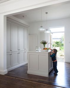 Colour Study: Farrow and Ball Cornforth White (Modern Country Style) White Kitchen Cabinets, Kitchen Cabinetry, Kitchen Paint, New Kitchen, Kitchen Grey, Shaker Cabinets, Kitchen Cabinets Painted In Farrow And Ball, Kitchen Ideas, Tall Cabinets