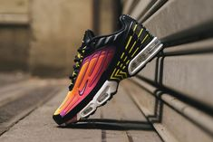 "Nike Air Max Plus 3 w wersji nazwanej ""Hyper Violet"" Purple Sneakers, Purple Nikes, Dress With Sneakers, Air Max Sneakers, Sneakers Nike, Nike Air Max Plus, New Nike Air, Nike Tn, Dad Shoes"