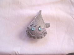 Wizard of Oz Tin man FELT FACE CUTIE pin by beyondthepoisonapple, $10.00