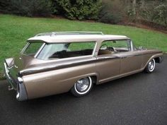 I want a classic station wagon.  I think I have a thing for station wagons.