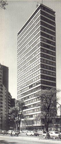 Edificio de oficinas de la Aseguradora Alianza, Torre Anáhuac, Paseo de la Reforma 51 México, DF 1958    Arq. Juan Sordo Madaleno