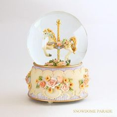 TWINKLE バラの上の回転木馬 メリーゴーランド スノードーム - スノードーム専門店 ~SNOWDOME PARADE~  スノードームパレード