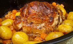 Omyté a osušené maso nasolíme a opepříme. Svážeme potravinářským provázkem, aby dostalo tvar válečku. V pekáčku rozpustíme sádlo a maso zprudka... Czech Recipes, Ethnic Recipes, Slovakian Food, Pork Recipes, Cooking Recipes, Chicken Recepies, Multicooker, Food 52, Aesthetic Food