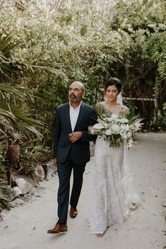 The bride arrival ∙ Planning, designing by Destination Weddings Tulum ( on IG) Flowers by Moni Junco ( on IG) Makeup & Hairstyle by Dahena ( on IG) Long Engagement, Boho Beach Wedding, Makeup Hairstyle, Boho Look, Bridesmaid Dresses, Wedding Dresses, Destination Weddings, Tulum, Boho Chic
