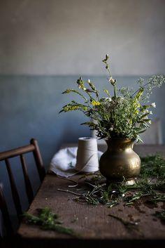 Local Milk Australia: Slow Living, A Practical Workshop Space By Jersey Ice Cream Co. Wabi Sabi, Green Flowers, Wild Flowers, Photo Bleu, Local Milk, Slow Living, Ikebana, Still Life Photography, Botany