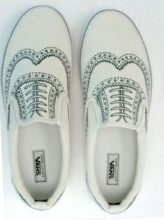 25 Easy and Creative Sharpie Crafts - do something interesting with those plain white sneakers! How about doodle on an oxford pattern?