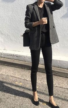 10 autumn outfit ideas for the office! Here gray Blazer + Skinny Black + . Hier grauer Blazer + Skinny Black + … 10 autumn outfit ideas for the office! Here gray Blazer + Skinny Black + … - Fashion Mode, Work Fashion, Trendy Fashion, Dress Fashion, Fashion Black, Fashion Clothes, Style Fashion, Classy Fashion, Trendy Style