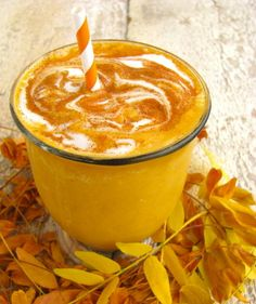 sugar free pumpkin smoothie 5 Frozen Cubes of Pumpkin 4 Ice Cubes Cup Yogurt (any variety, dairy or nondairy) Cup Milk (any variety, dairy or nondairy) Tsp. Powdered Ginger Pinch of salt. Sweetener to taste. Juice Smoothie, Smoothie Drinks, Smoothie Recipes, Smoothies, Yummy Drinks, Healthy Drinks, Healthy Snacks, Primal Recipes, Raw Food Recipes