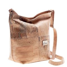 Vegan Cork Bag with decorative squares, contrasting in color. Eco-friendly, durable and made in Portugal with Portuguese cork. Montado – Cork Fashion.