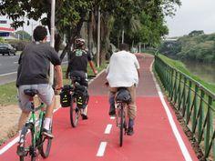 """Depois da instalação de 103 km de ciclovias em Sorocaba, a cidade teve apenas um acidente envolvendo bicicletas e carros em 4 anos. O único ciclista atropelado estava fora da via exclusiva para bicicletas. Hoje, o município tem a maior rede cicloviária do estado de São Paulo. Além do baixo número de acidentes, o número...<br /><a class=""""more-link"""" href=""""https://catracalivre.com.br/geral/mobilidade/indicacao/com-103-km-de-ciclovias-sorocaba-tem-apenas-1-acidente-em-4-anos/"""">Continue lendo…"""
