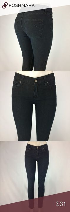 JAMES JEANS Black Denim High Rise Skinny Jeans! JAMES JEANS High Rise Skinny Jeans! Size 28. Black denim. Excellent condition. James Jeans Jeans Skinny