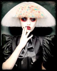 Hair and photo: Desmond Murray / Make-up: Jo Sugar / Styling: Bernard Connelly Ellen Von Unwerth, Fantasy Hair, Fantasy Makeup, Creative Hairstyles, Cool Hairstyles, Hairstyles Pictures, Hairstyles 2016, Circus Hair, Indian Eyes