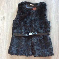 SALDI SALDI SALDI Gilet ecopelliccia 25 spedizione inclusa  Ordini whatsapp 334.3325770 #moda #instamoda #trend #tshirt #cappello #felpa #outfit #outfitdelgiorno #shopping #tuta #pantalone #gonna #shorts #canotta #instagood #fashion #instaoutfit #parka #cappotto #instastyle #lapin #giletlapin #instabag #onlineshop #leggins #jeans #pelliccia #gilet #ecopelliccia #fashionoutfit by mimitrend