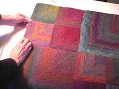 PART How to design a knitted, seamless mitered square afghan, shawl, scarf, or baby blanket. Knitting Videos, Knitting Charts, Loom Knitting, Knitting Stitches, Knitting Projects, Baby Knitting, Knitting Patterns, Knitted Afghans, Knitted Blankets