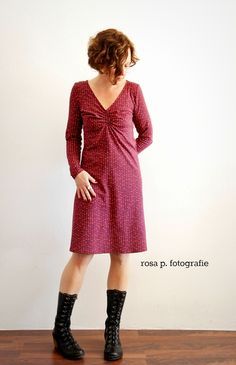 "dots | schnitt aus meinem nähvideo "" ein kleid - vier styles"" Diy Dress, Dress Skirt, Dress Up, Fashion Sewing, Diy Fashion, Fashion Outfits, Easy Sewing Patterns, Dress Patterns, Couture"