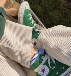 Dr Shoes, Hype Shoes, Me Too Shoes, Mode Converse, Green Converse, Hi Top Converse, Green Sneakers, Aesthetic Shoes, Designer Shoes