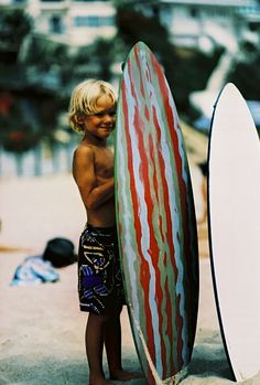 I want kids like this! Check out those cute sandy blonde curls!