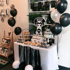 Bendys the ink machine party theme. 7th Birthday Party Ideas, Baby Birthday, Birthday Party Decorations, 10th Birthday, Birthday Cake, Bendy And The Ink Machine, Bendy Y Boris, Family Birthdays, Party Supplies