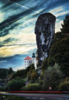 """Hercules club"" and Castle Pieskowa Skała in Ojcow National Park, in Poland.  photo from my blog: http://www.photo4art.eu"