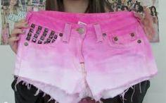 Reciclaje de ropa: Short rosa con tachas Shorts Sexy, Pink Shorts, Casual Shorts, Short Rosado, International Fashion, My Style, How To Wear, Pasta Piedra, Picasso