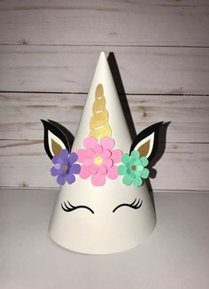 Girl and/or boy unicorn party hats set of 20 made to order. Please add note to seller with amount of each needed. Diy Birthday Decorations, Birthday Diy, Unicorn Birthday, Unicorn Party Hats, Unicorn Hat, Crazy Hat Day, Crazy Hats, Hat Crafts, Paper Crafts