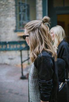 O Half Bun, muito tend�ncia, em que apenas a parte de cima do cabelo est� presa