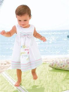 #vertbaudet #sommer #kleid #baby #girl #schleife #suess #kleiderfuerdenstrand #kleiderfuerschoenetage #petit #petitprincesse #weiss