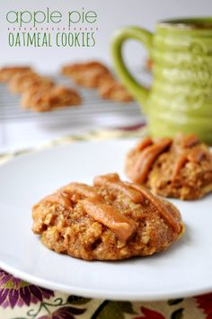 These Apple Pie Oatmeal Cookies taste just like their namesake. Sweet apple with hearty whole grain oats, cinnamon and date drizzle make these cookies absolutely irresistible! @Target #QuakerUp #MyOatsCreation #spon