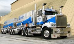 Very sharp Western Star pulling a set of triaxle doubles......