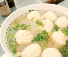 How to make Fish Ball Soup. Step by step instructions to make Fish Ball Soup . Meat Sauce Recipes, Healthy Meat Recipes, Asian Recipes, Soup Recipes, Chinese Recipes, Chinese Food, Chinese Fish Balls Recipe, Fish Ball Soup Recipe, Recipe Balls