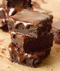 Date-Sweetened Fudge Brownies - BROWNIES: ¼ cup peanut butter, 80g (11 regular, non-Medjool) dates, ⅓ cup (38g) cocoa powder, 1 egg, ¼ cup (25g) coconut flour, 2 tbsps milk of choice, ¼ cup melted coconut oil, 2 tsps vanilla, ½ tsp baking powder. FROSTING: 1½ tbsps (21g) coconut oil, ¼ cup (64g) peanut butter, 2½ tbsps (12g) Dutch-process cocoa powder, 1 tbsp (20g) honey.