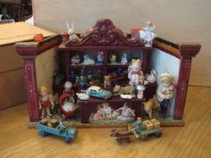 Little Moritz Gottschalk dollhouse room box as toy shop