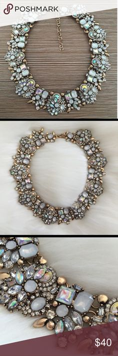 ❤️🎉STUNNING Bib necklace!! Gorgeous Crystal statement necklace. Length is 42 centimeters and chain adds an additional 7 centimeters. Add sparkle to any outfit with this beauty Jewelry Necklaces