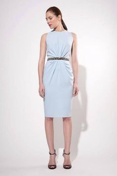 Rhea Costa Dresses are designed modern yet timeless, young yet ageless, elegant yet relaxed. Resort 2015, Dresses For Work, Formal Dresses, Crepe Dress, Feminine, Elegant, Costa, Shopping, Collection