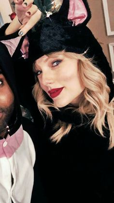 Taylor Swift Fan, Taylor Swift Pictures, Taylor Alison Swift, Her Smile, Just Amazing, Pretty People, Cool Girl, Pop Culture, Queens
