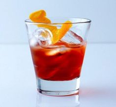 The Negroni, one of our favorite cocktails, the combo of the botanical gin, bitter campari, and sweet vermouth make this a perfect summer aperitif. Fancy Drinks, Cocktail Drinks, Cocktail Recipes, Campari Cocktails, Italian Cocktails, Classic Cocktails, Refreshing Drinks, Summer Drinks, Winter Cocktails