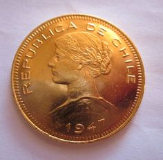 Chili - Gold - 100 pesos (10 condores) uit 1947  Republiek Chili - goud100 pesos (10 condores) uit 1947Samenstelling: goudFijnheid: 900/1000Gewicht: 20.34 gDiameter: 31 mmSchitterend stuk.Zie de foto's om de inhoud van dit veel beter.  EUR 550.00  Meer informatie