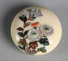 Shibayama Netsuke of Assorted Flowers Date: century Culture: Japan Medium: Ivory Button Art, Button Crafts, Japan Crafts, Sewing A Button, Just Amazing, Vintage Buttons, Asian Art, Japanese Art, Fiber Art