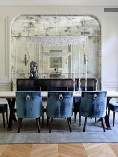 Navy blue velvet in the dining room. Devine. #devinecolor #devineinspiration