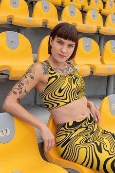 ThatXpression Fashion Fitness Pittsburgh Themed Black and Yellow Swirl Sports bra - XL