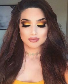 Gorgeous Makeup: Tips and Tricks With Eye Makeup and Eyeshadow – Makeup Design Ideas Yellow Eye Makeup, Yellow Eyeshadow, Smokey Eye Makeup, Eyeshadow Looks, Eyeshadow Makeup, Makeup Cosmetics, Makeup With Yellow Dress, Summer Eyeshadow, Blue Smokey Eye