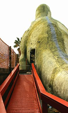 A photo set of the interior of the Cabazon Dinosaurs in California. Photography by Luke Fandrich. Cabazon Dinosaurs, Golden State, Palm Springs, Places To Go, Beautiful Places, Childhood, California, Adventure, Photography